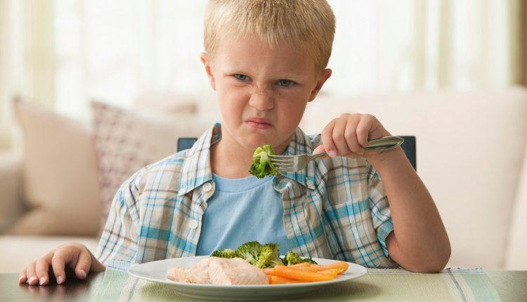 8 راه غذا دادن به بچه ها بدغذا